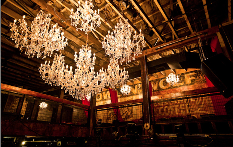 18 republic-new-orleans-chandeliers