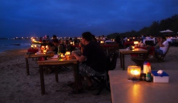 Jimbaran-Bali-at-Night